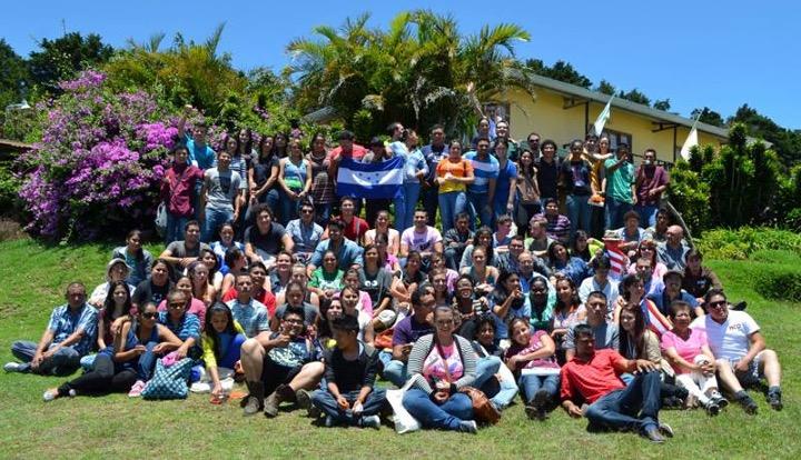 Congreso Menonita Centroaméricano, JUAMCA 2013 (Los jugadores de futbol mencionados en el artículo están por ahí, contentos de tener tantos amigos y hermanos).